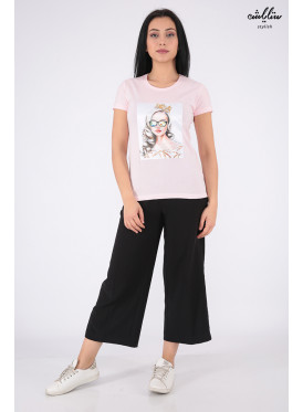 Soft pink T-shirt embellished with crystal and highlights