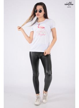 Elegant white T-shirt with outstanding details and flamenco prints for a beautiful view