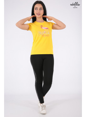 Elegant yellow T-shirts with outstanding details and flamenco prints for a beautiful view