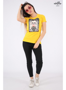 Elegant yellow T-shirts decorated with pearls and outstanding details