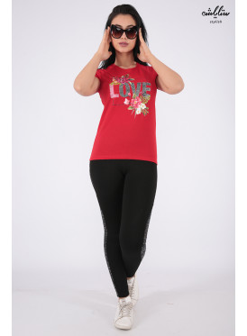 Soft red T-shirt decorated with elegant design with roses