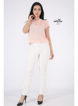 Elegant pink backless blouse decorated with lace