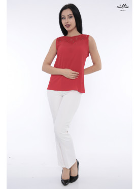 Elegant red-shoulder backless blouse decorated with lace