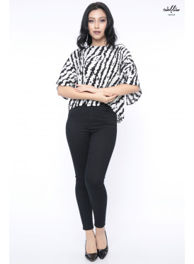 Elegant two-tone blouse with two ways to wear