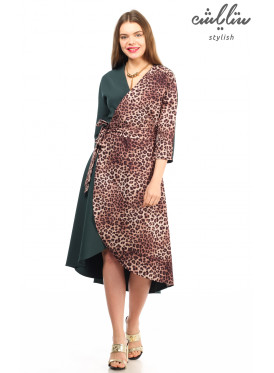 Elegant mid-length midi dress with leopard skin in green