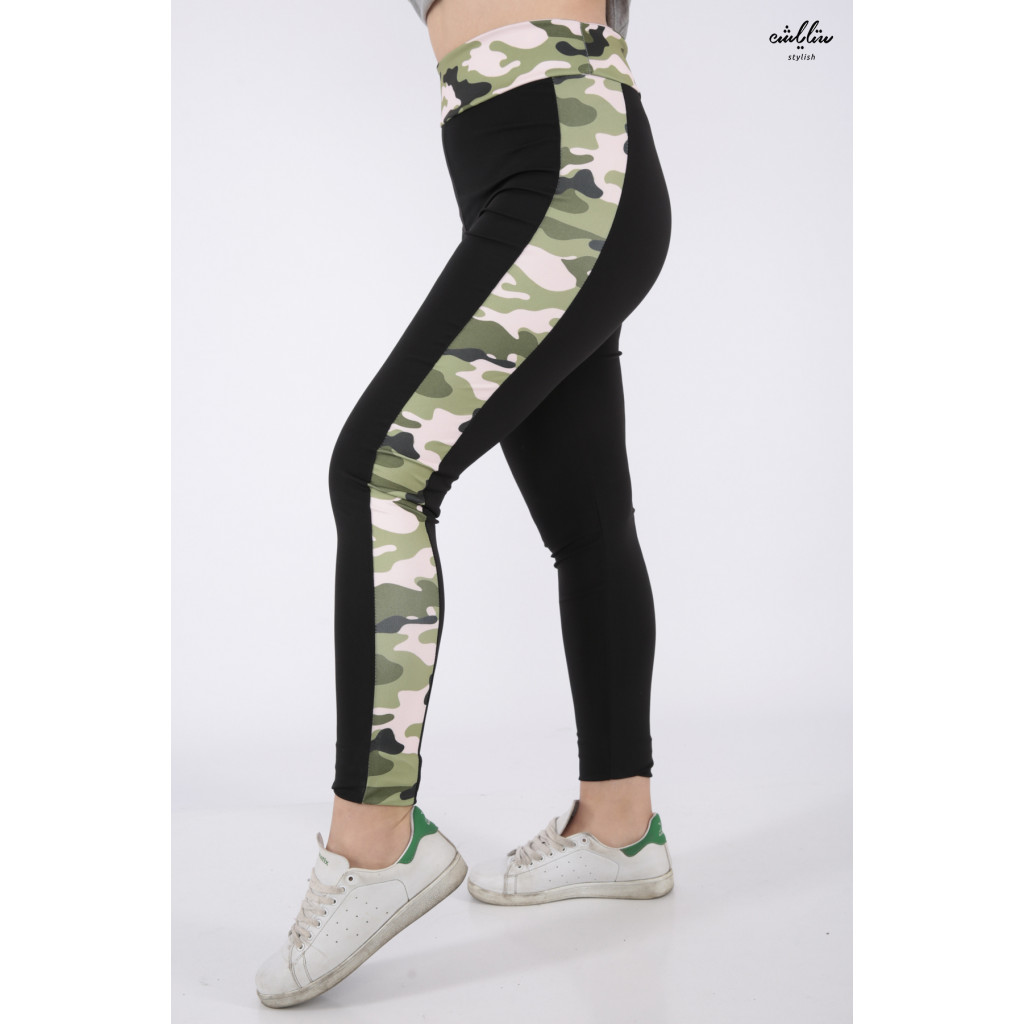 Black sport trousers with a green army-coloured wide side line