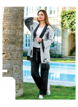 A comfortable and cool-textured home dress set with an attractive view