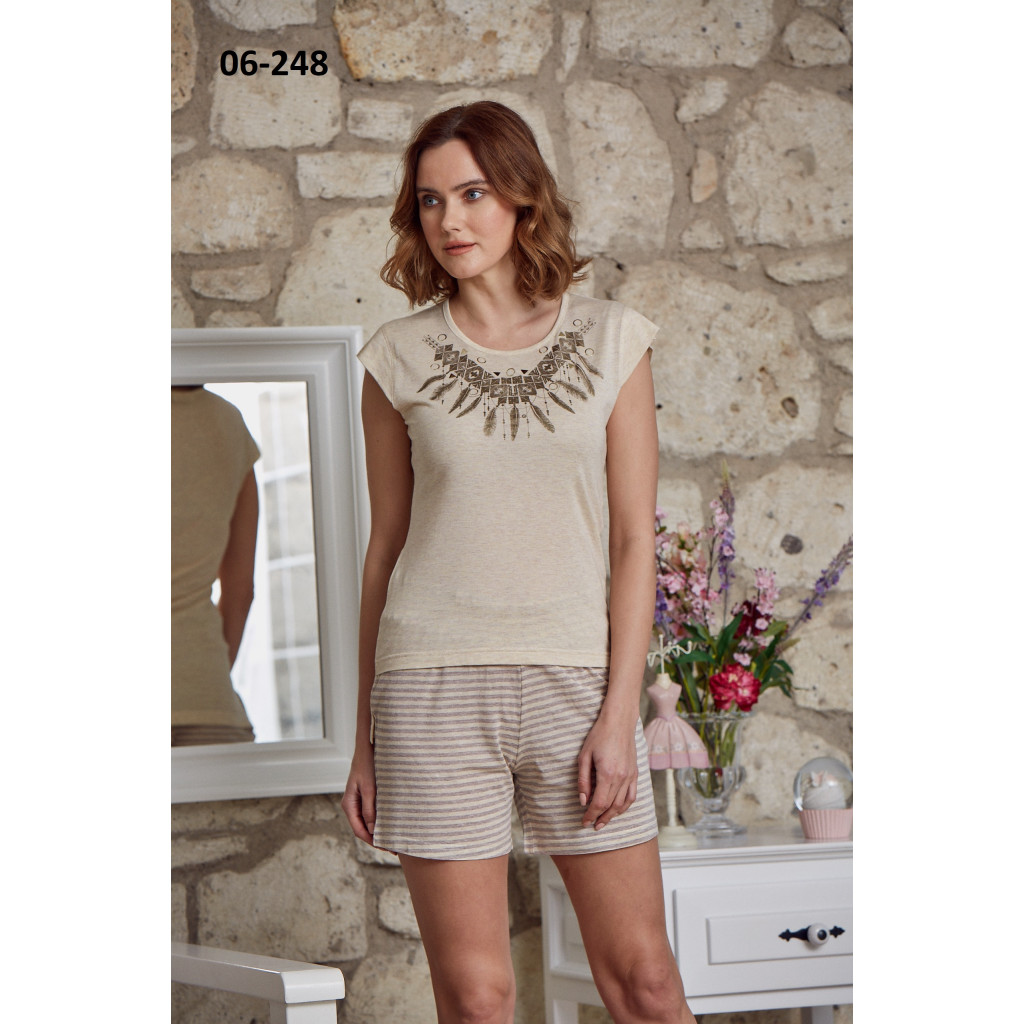 All-in-a-shorts set with a soft, cold and attractive look