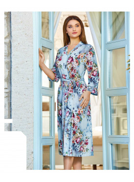 Women's robe is soft, long, and strap on the waist in the prints of roses, elegant and comfortable