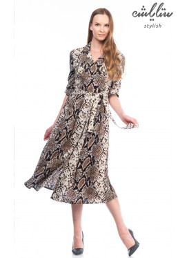 Slim and classy maxi dress with medium length in snake skin prints