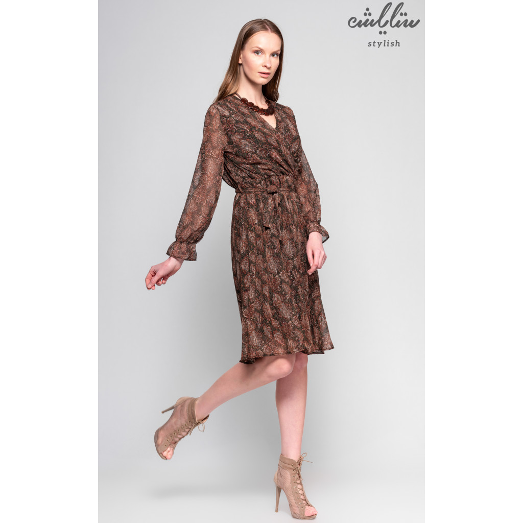 Short smooth wrap dress for exquisite and attractive look