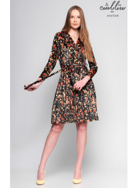 A short dress of soft velvet with a long sleeve decorated with crumb in the prints of Roses
