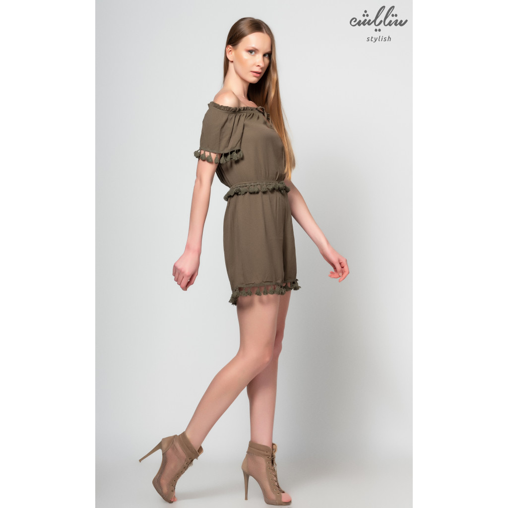 Stylish jumpsuit short oil with wide collar open shoulders and trimming in the limbs