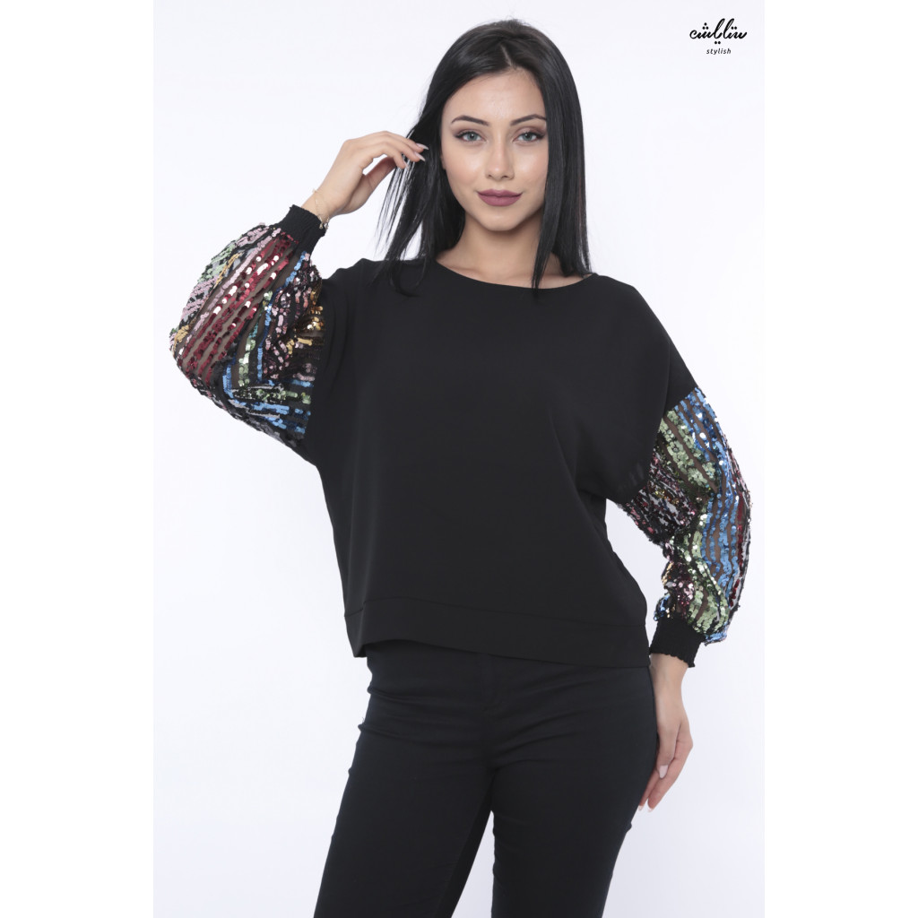 Black blouse with sequin piles for attractive view