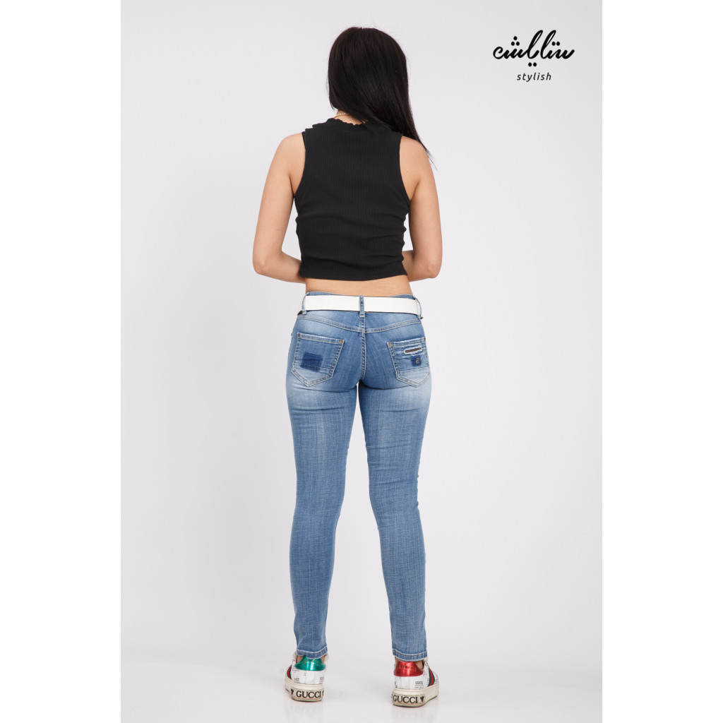 Stylish jeans with innovative strap and accessories