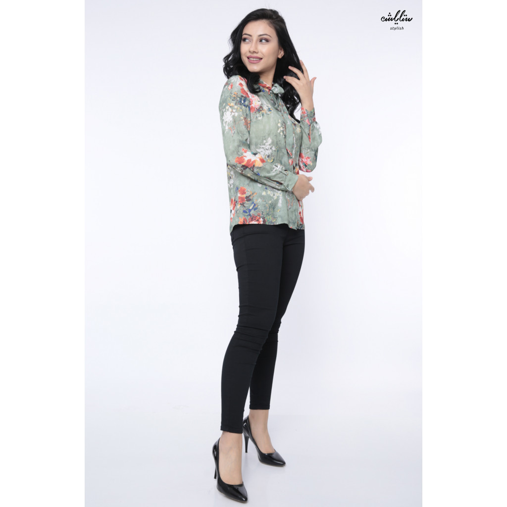 Elegant green blouse with high collar and attractive view