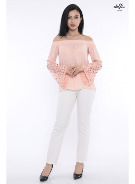 Chic off-the-shoulder blouse with distinctive sleeve design