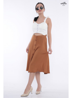 Elegant, spacious, brown-coloured midi skirt with attractive views