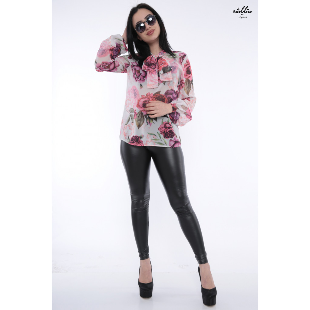 Elegant floral blouse in pink with high collar