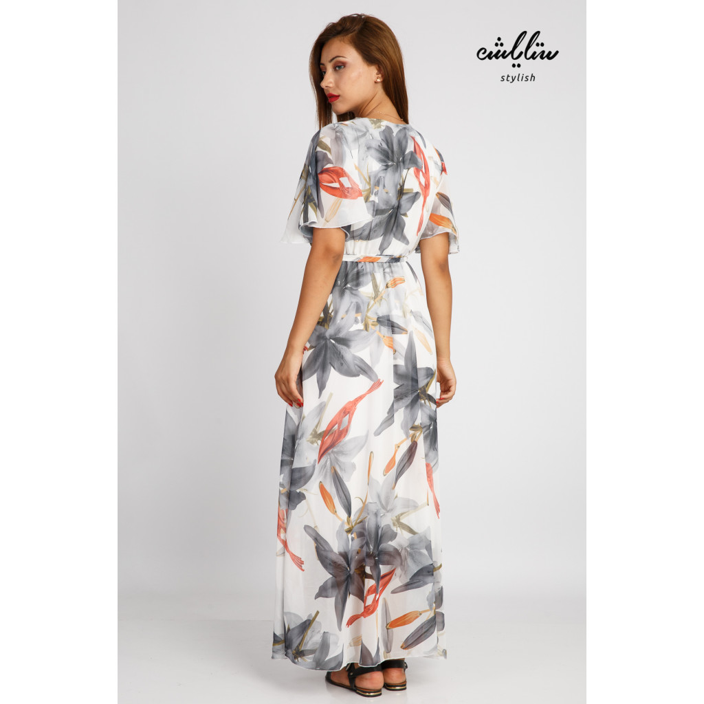 Maxi dress decorated with beautiful, soft and elegant bushes