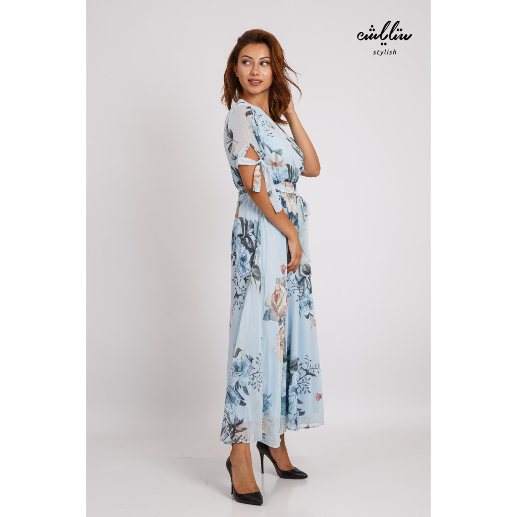 Stylish blue wooded dress with waist band for a soft modern look