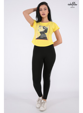 Trendy T-shirt yellow with soft print decorated with crystal