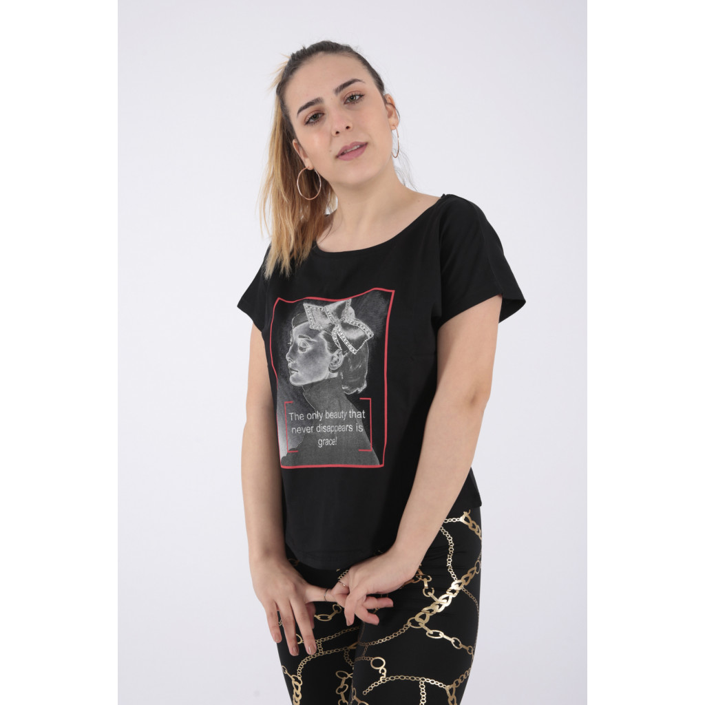 Trendy T-shirt in black with soft print decorated with crystal
