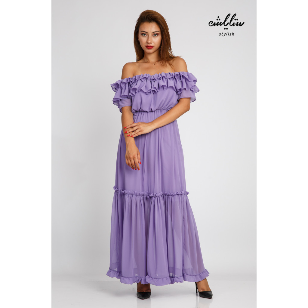 Purple maxi dress and sleeves of schulder with a soft design and stunning look