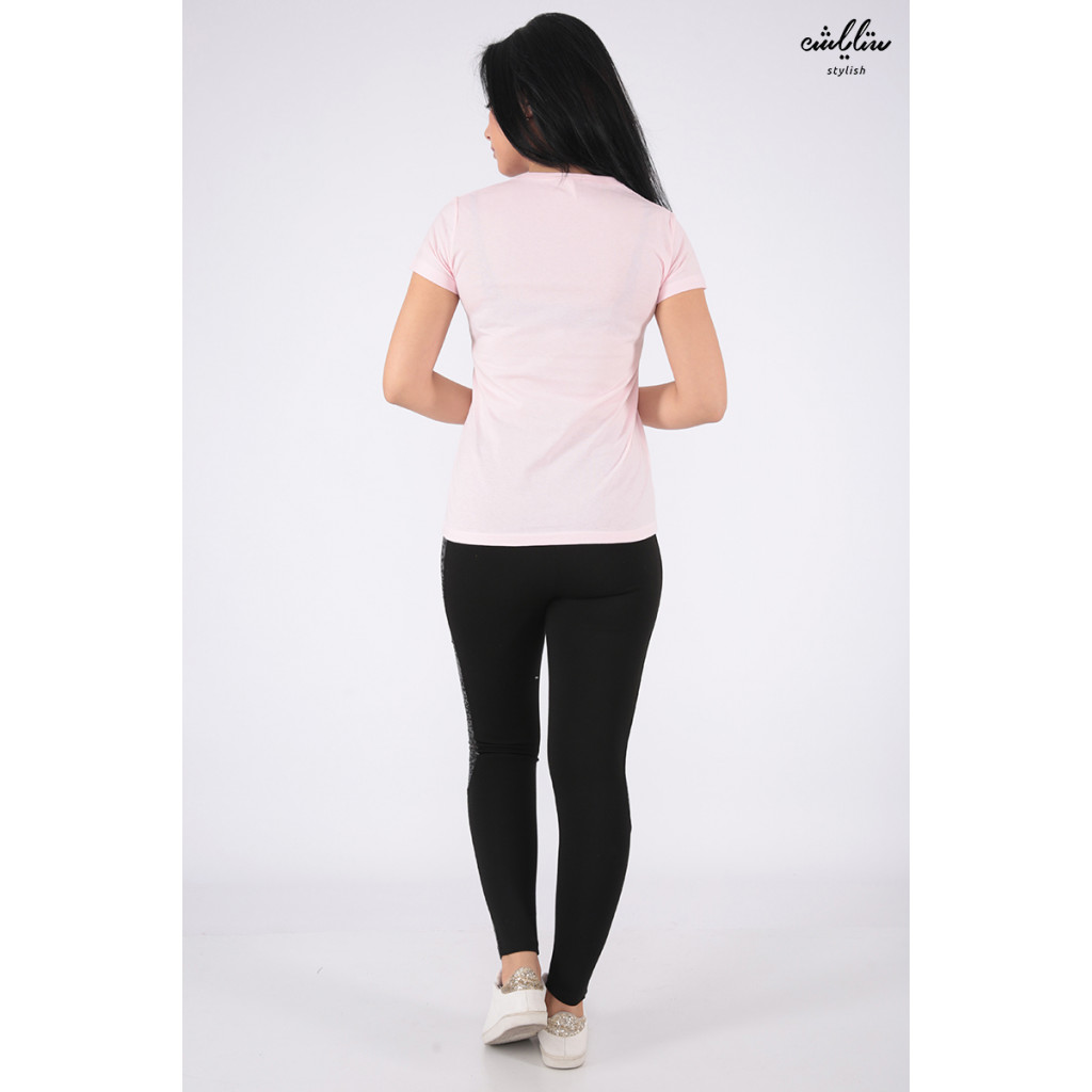 Elegant pink T-shirt with outstanding details and flamenco prints for a beautiful view