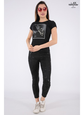 Cute black T-shirt in a soft print decorated with pearl granules