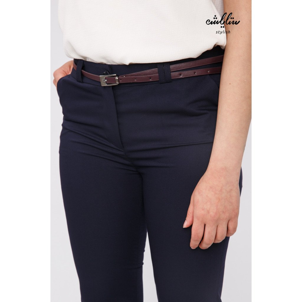 Stylish navy blue trousers with a leather strap that gives a great look