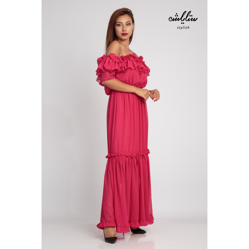 Fuchsia maxi dress and sleeves of schulder with a soft design and stunning look