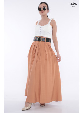 Elegant brown skirt decorated with a stylish belt that gives an attractive look