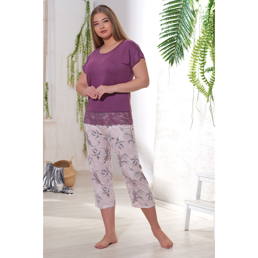 Women's set with purple shirt and pants with a very soft and elegant texture