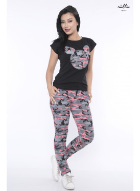 Elegant pajamas with an army design and top with a cartoon cut