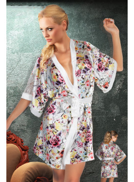 A short home robe with a glamorous look and a wooded design